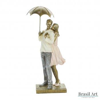 Estátua Casal com Guarda-Chuva